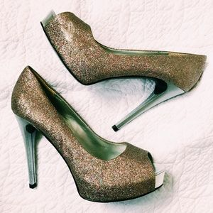 Guess Sparkly Pumps